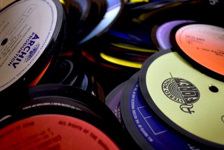 Lees meer over het artikel Vinyl onderzetters bij Diggers